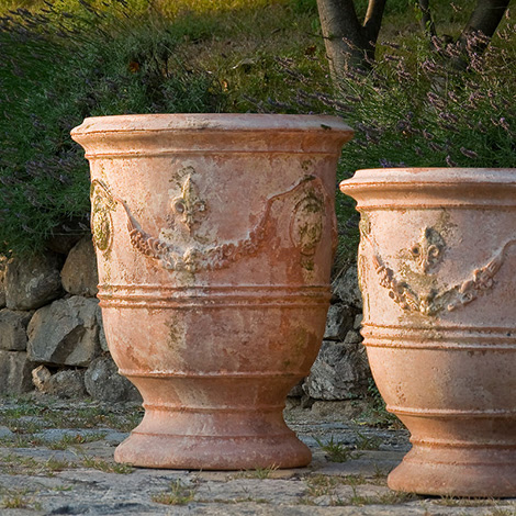 juniper hill these beautiful garden pots will quickly urn. Black Bedroom Furniture Sets. Home Design Ideas