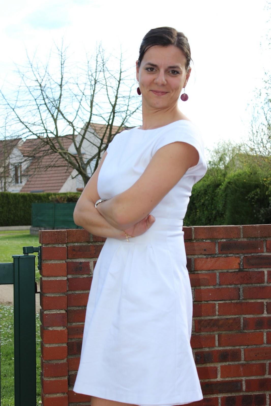 Robe blanche boutons au dos Naf Naf