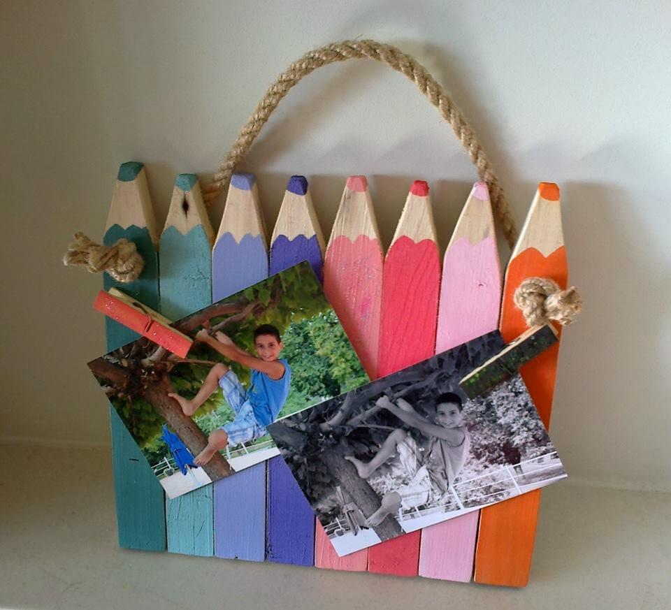drewniana zawieszka w kształcie kredek pomysł na prezent Odpadak