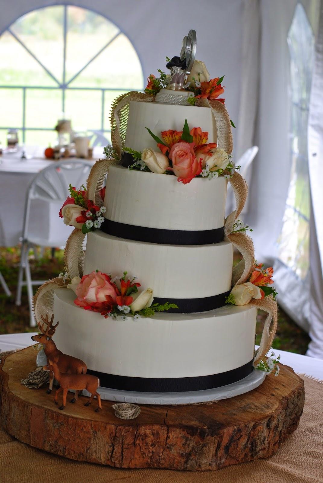 Country Cupboard Cakes Camo Wedding Cake