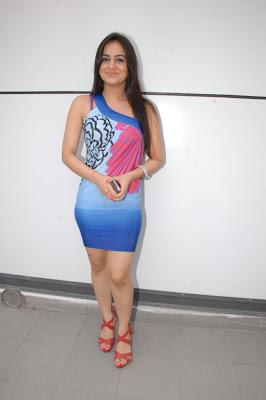 aksha new glamour  images