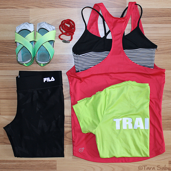 Nike studio wraps, workout clothes, fitfashion, dishthefit, fitnfashionable, fitness clothes, piyo live, momentum jewelry