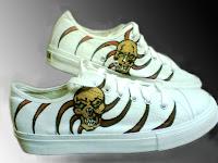 Sepatu Lukis Cowo Tengkorak c Rp 125 000,sepatu lukis,sepatu lukis cowok,sepatu,lukis