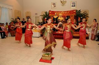 kesenian tari gending sriwijaya