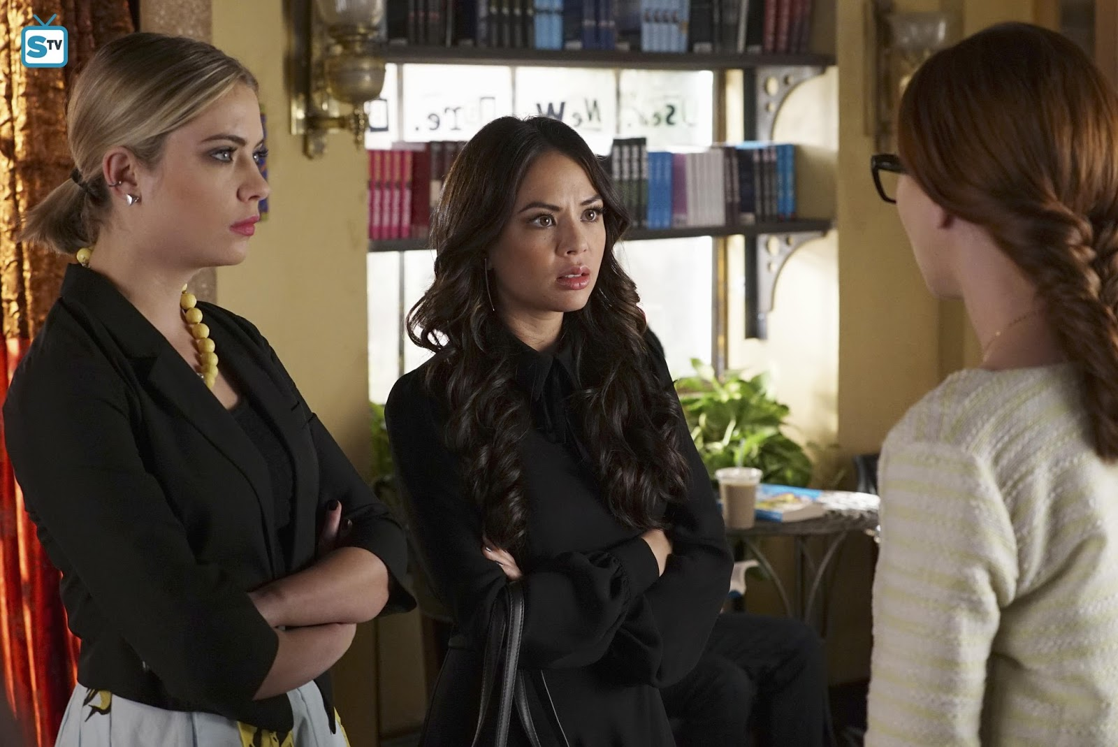 Pretty little liars quot recap 6 01 escape from the dollhouse page 7 - Pretty Little Liars She S No Angel Review Heart Stopping Show Stopper