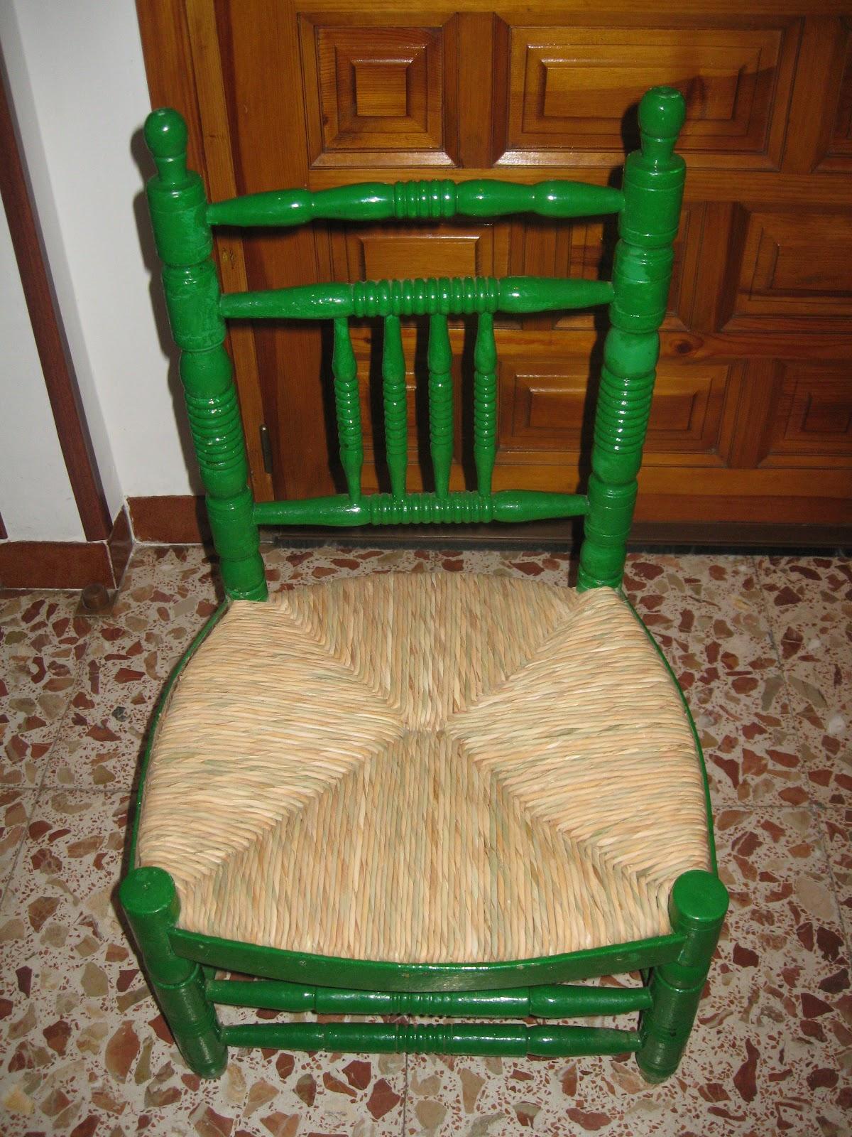 Entre aneas y pino silla baja de coser for Sillas bajas