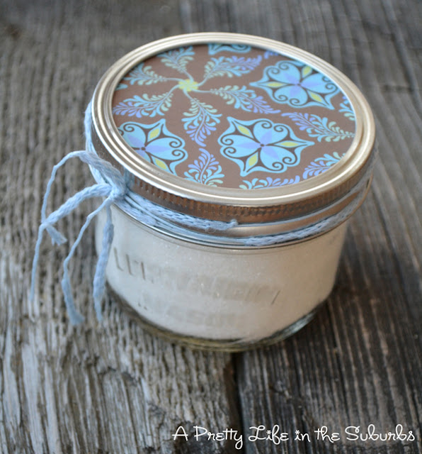 Vanilla Bean Sugar {A Pretty Life}