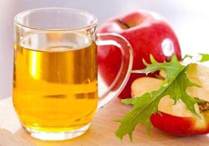 Giấm rượu táo chưa qua chế biến lại chứa nhiều chất liệu thiên nhiên nên có hiệu quả tuyệt vời với điều trị mụn