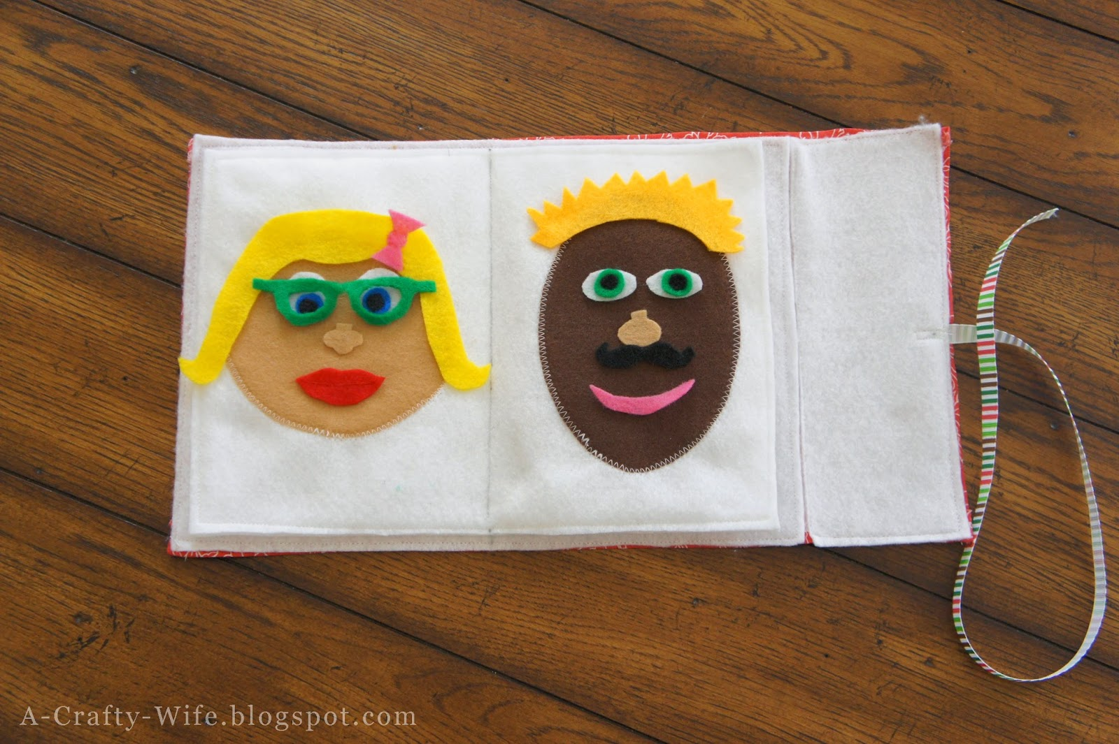 Felt faces book - great toddler quiet time/busy bag activity | A Crafty Wife