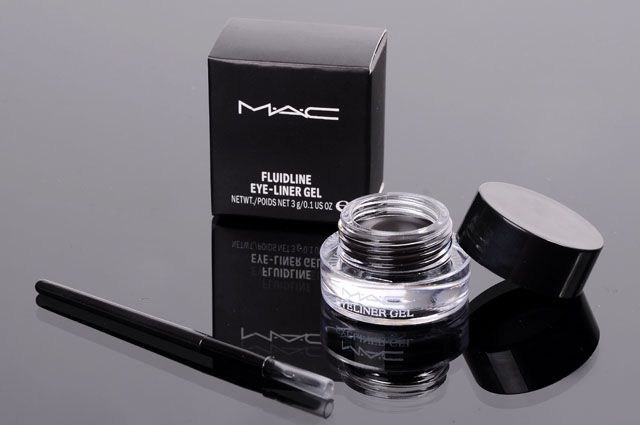 colours of M.A.C: M.A.C Eyeliner Gel