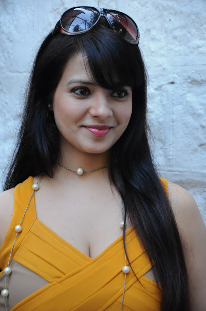 saloni hot and spicy pictures