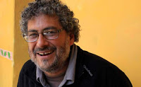 Gustavo Castro está libre y vuela hacia su casa