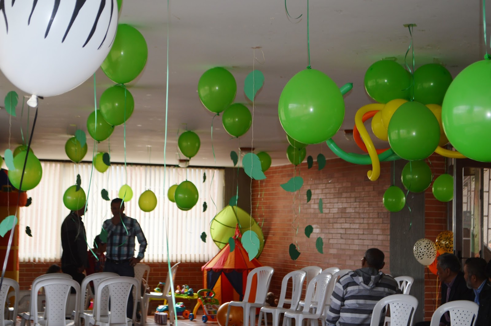 Mama tinas style fiesta safari juanjo - Cabezas de animales decoracion ...
