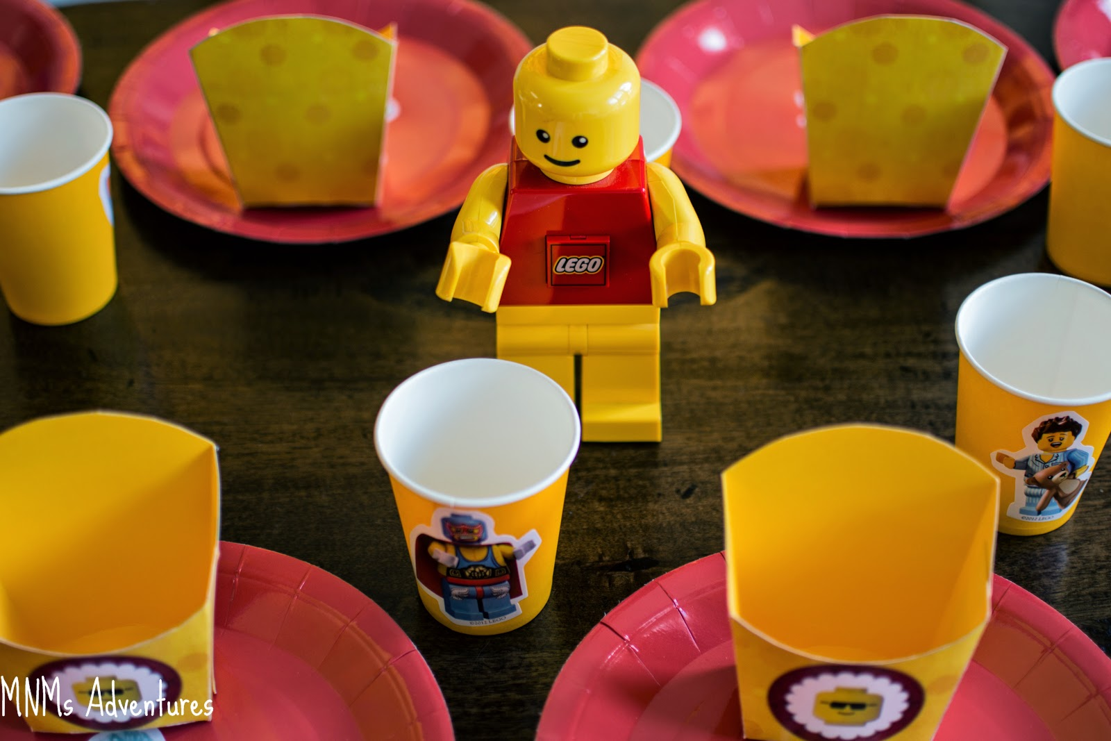 LEGO movie theme party table decorations