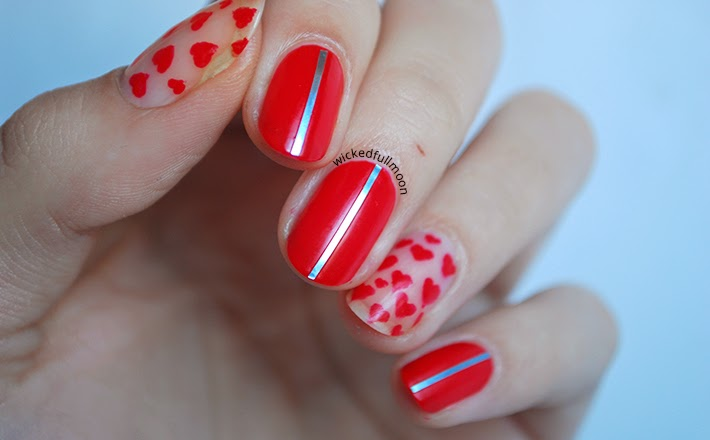 | Nail Art | Corazones brillantes, bright hearts by Wicked Fullmoon | Deborah Milano