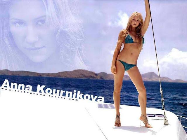 Anna Kournikova sexy in bikini