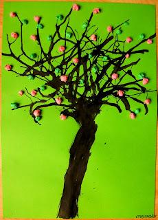 drzewo malowane tuszem