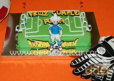 Axel, futbol, inazuma eleven, tarta, tarta fondant, tarta fondant Sevilla, tarta de inazuma eleven, campo de fútbol, tarta campo de fútbol
