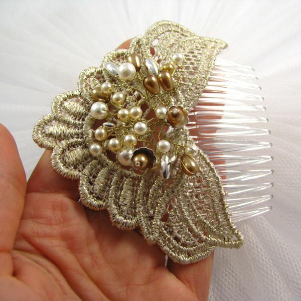 Złoty, ślubny grzebień do włosów z perłami
