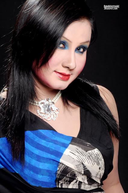 Sexy Dhaka Girl