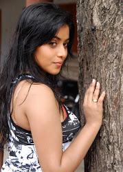 SHAMNA KASIM-POORNA Hot Pics