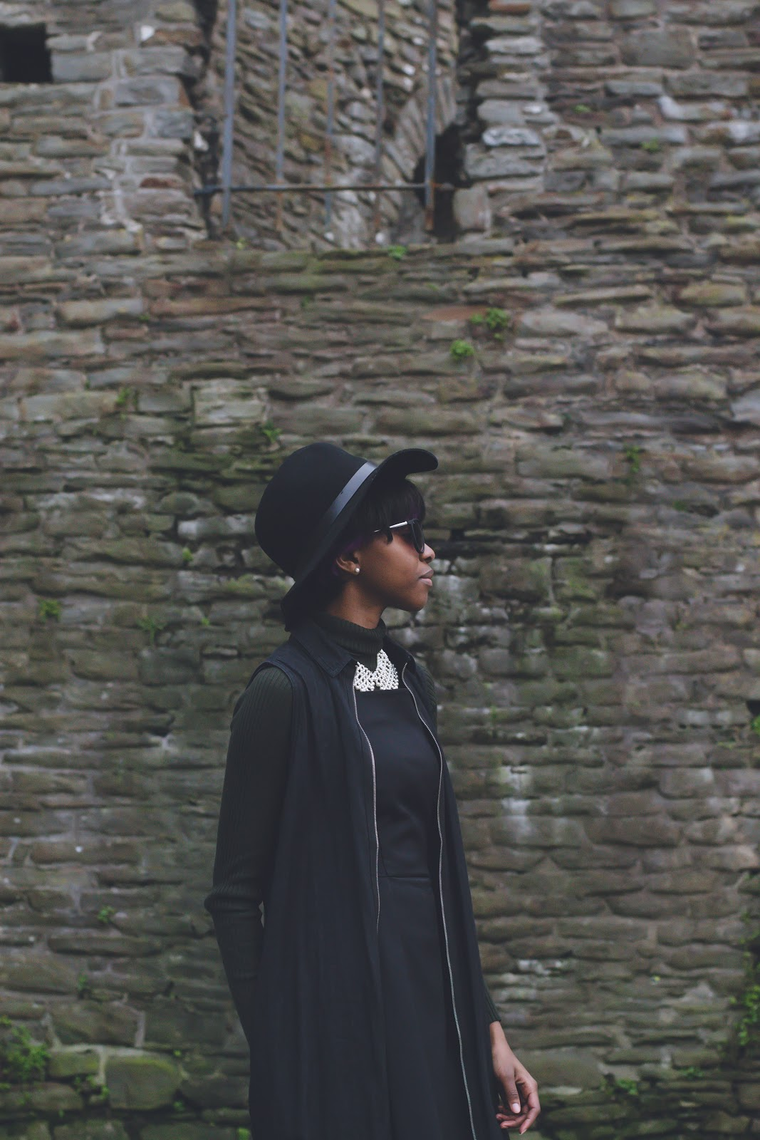Oroma R.R. of ORRBLOG.NET wearing Thrifted Coat, New Balance 574, French Connection Dress, Zara Turtleneck, H&M Hat, Primark Sunglasses & Topshop Necklace