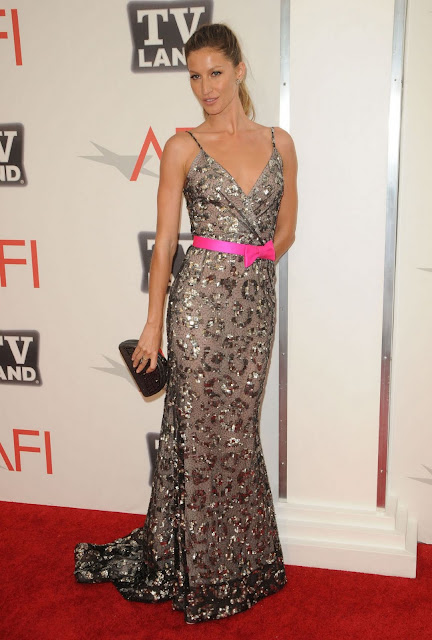 Hot Model Gisele Bundchen Arrives At 2011 TV Land Awards Pictures