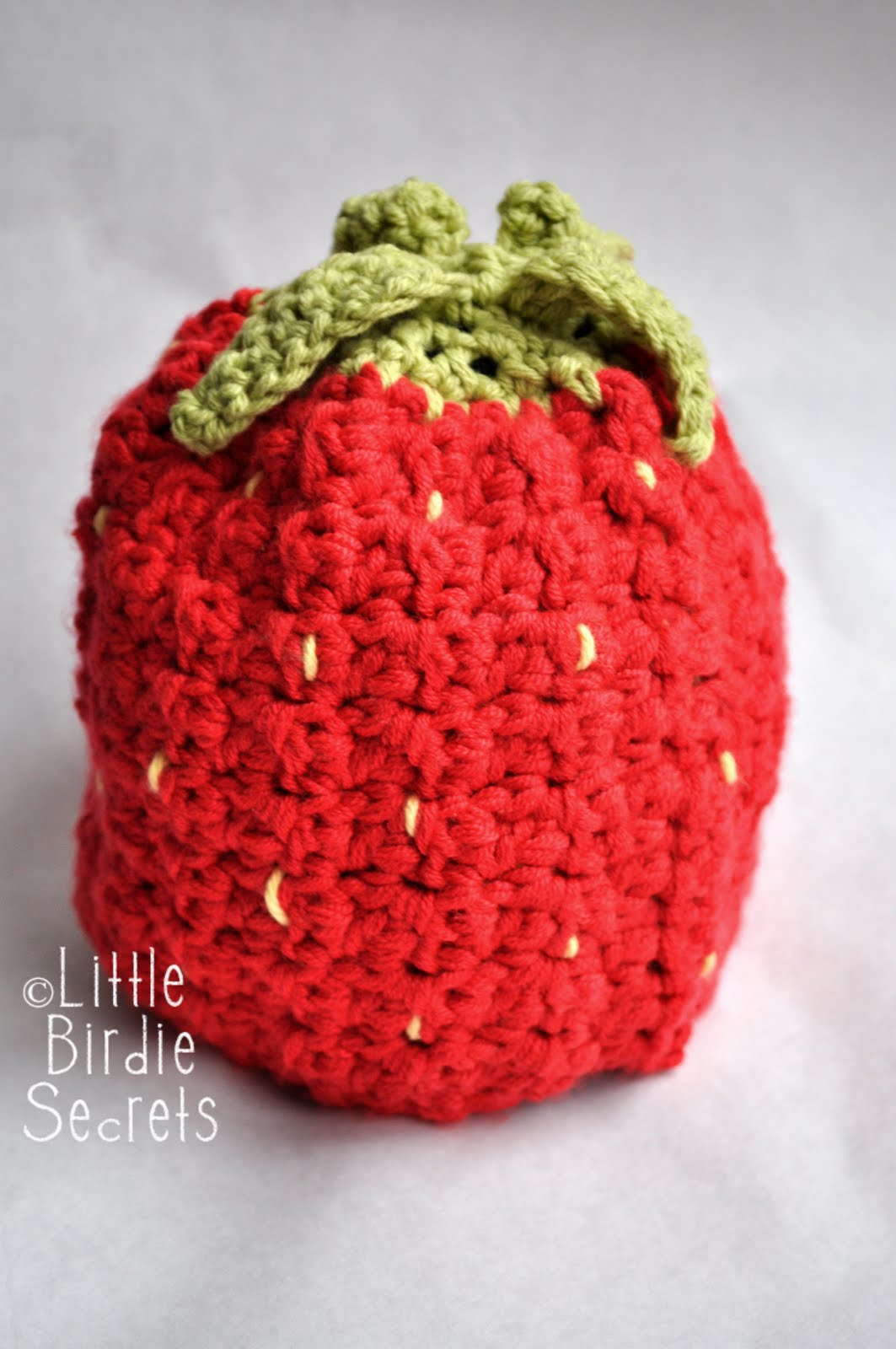 raspberry or strawberry free crochet pattern {and a ...