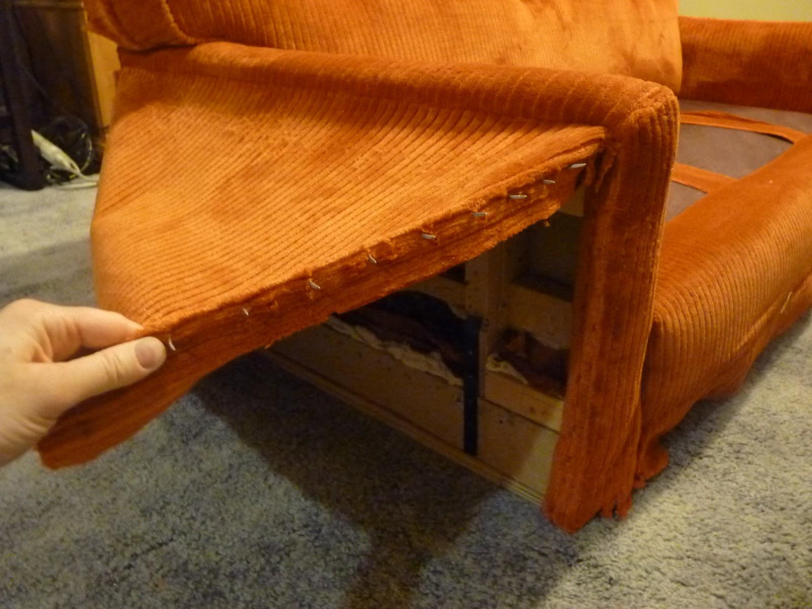 Обшить старый диван своими руками