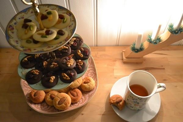serviteur porcelaine anglaise mendiants macarons