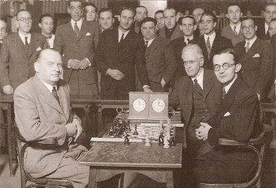 Match Alekhine - Dr. Rey Ardid en Zaragoza en 1944