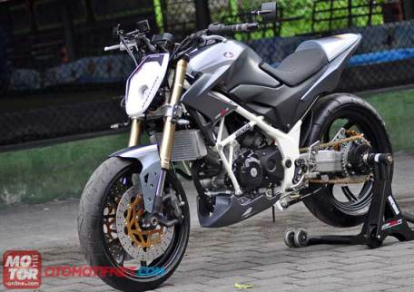 modif Honda CB150R Streetfire