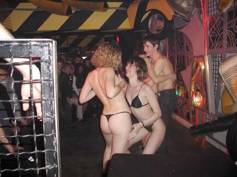 Порно в ночных московских клубах