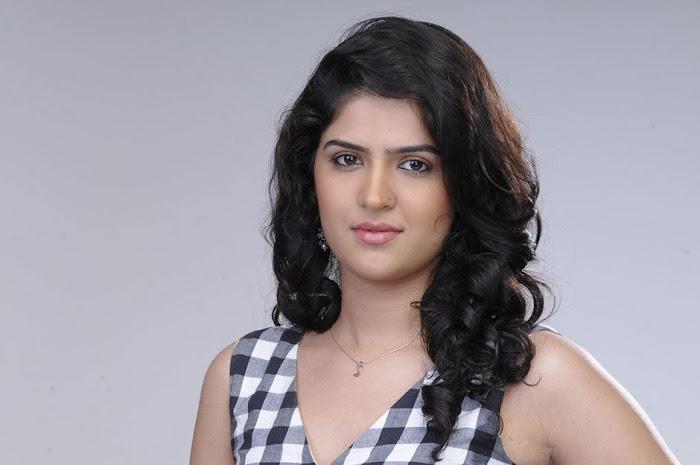 deeksha seth new glamorous actress pics