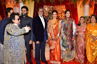 Amitabh and abhishek at Bappa Lahiri & Taneesha Verma Marriage Reception