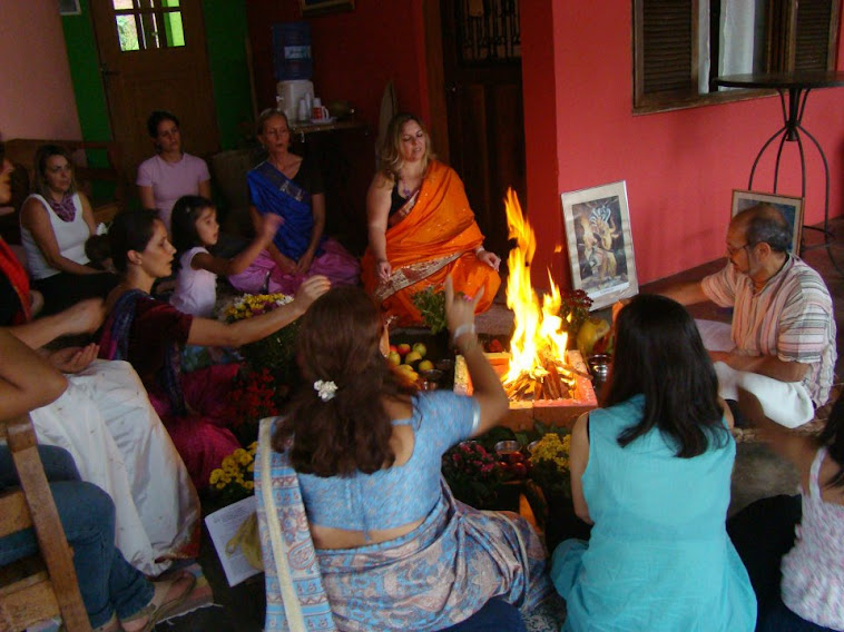 ABHAY Academia B de Hatha Yoga e Ayurveda