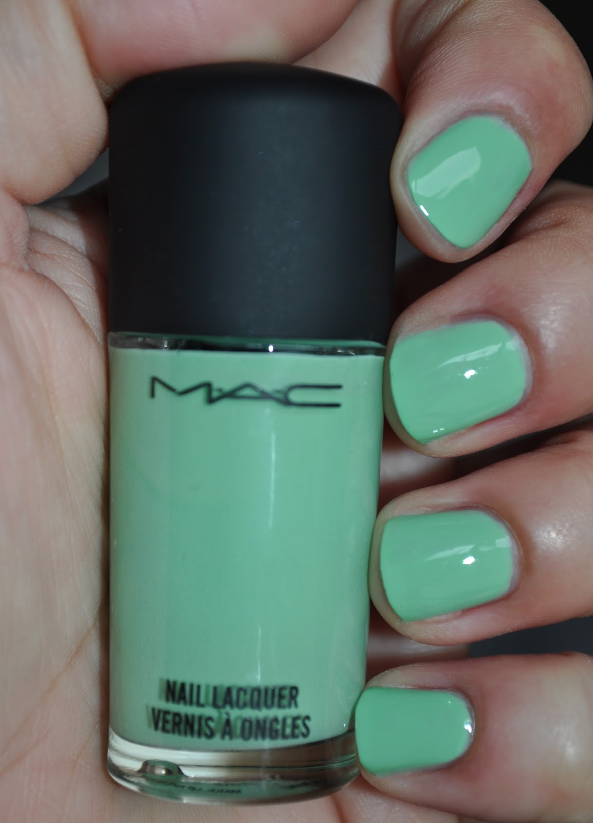 So Lonely in Gorgeous: Pat Me A Mani As Fast As You Can!