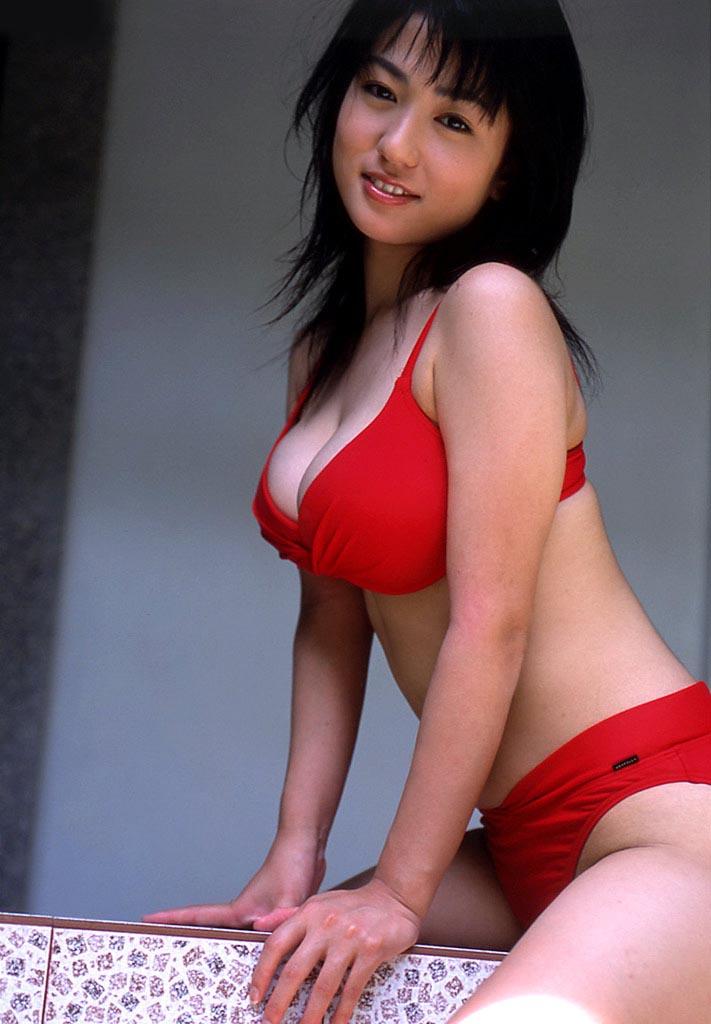 nonami takizawa sexy red bikini photos 04