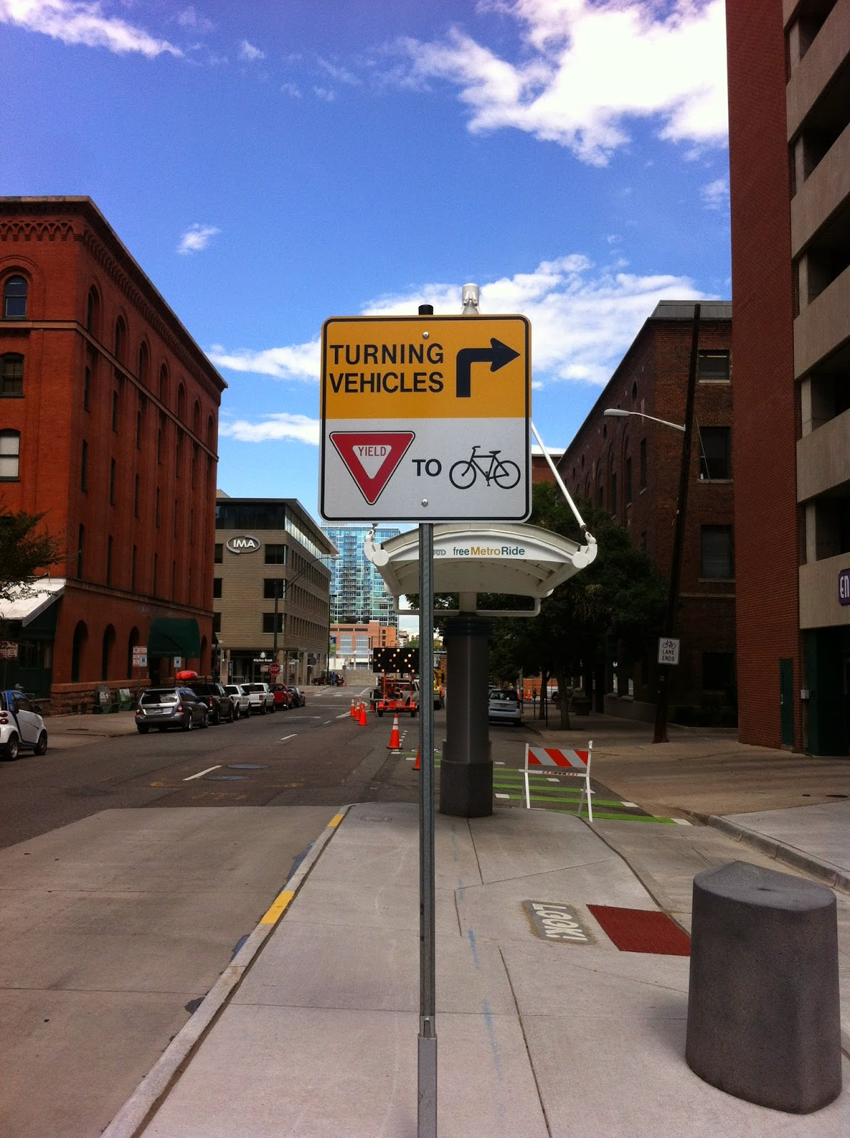 Yield to Bikes sign
