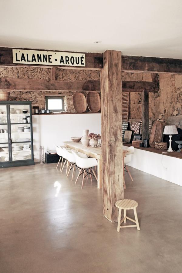Una casa dallo stile rustico nel sud della francia for Design e rimodellamento della casa sud occidentale