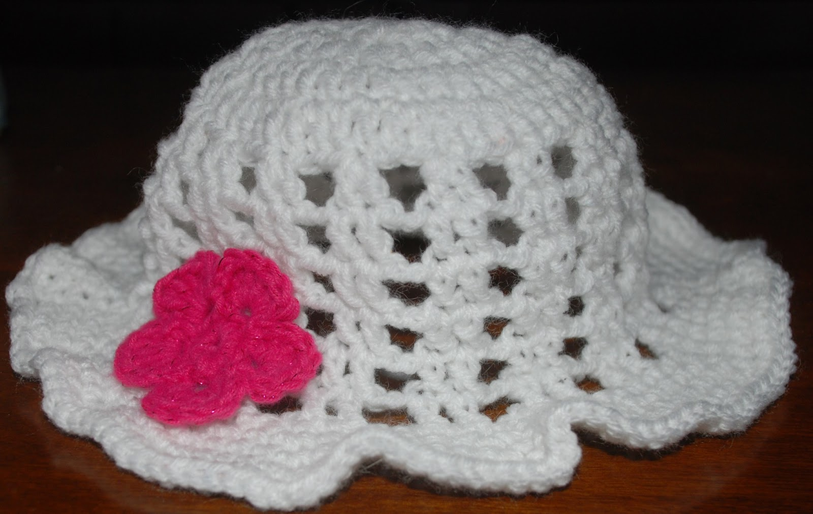 Free Crochet Newborn Sun Hat Pattern : Amys Crochet Creative Creations: Crochet Floppy Sun Hat