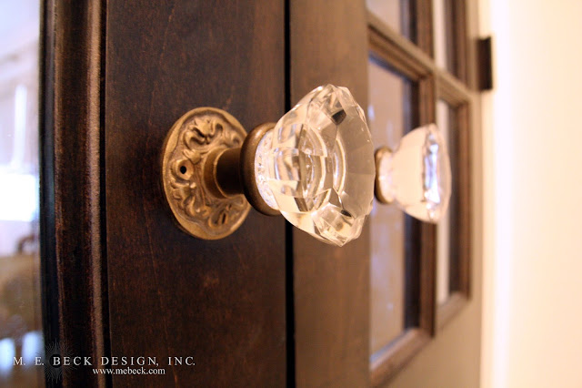 Live beautifully 1920 39 s renovation the master bath for 1920 door knobs