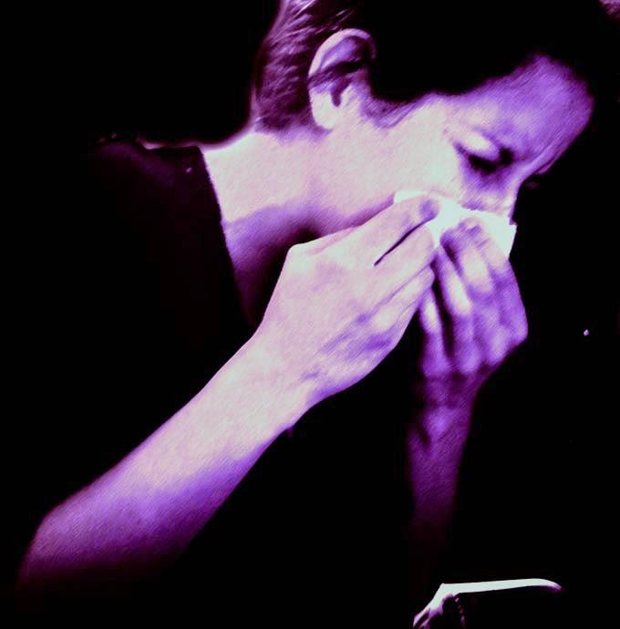 mujer-estornudo