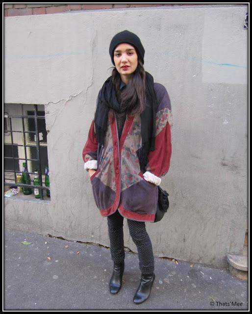 Anna manteau vintage bonnet COS, pull COS, chemise H&M collier Pamela Love, boots talons dorés Dune UK, pantalon à pois April 77