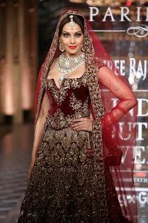 Grand finale of Shree Raj Mahal Jewellers India Couture Week 2014