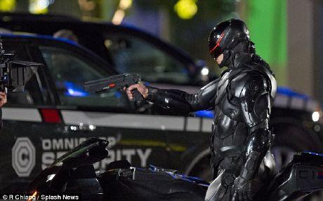 Joel Kinnaman es Robocop: Nuevas imágenes y video del rodaje