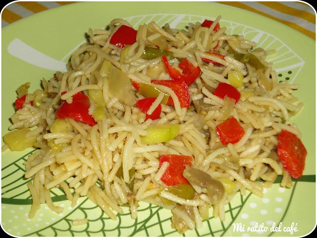 Espaguetis con berenjena y calabacín