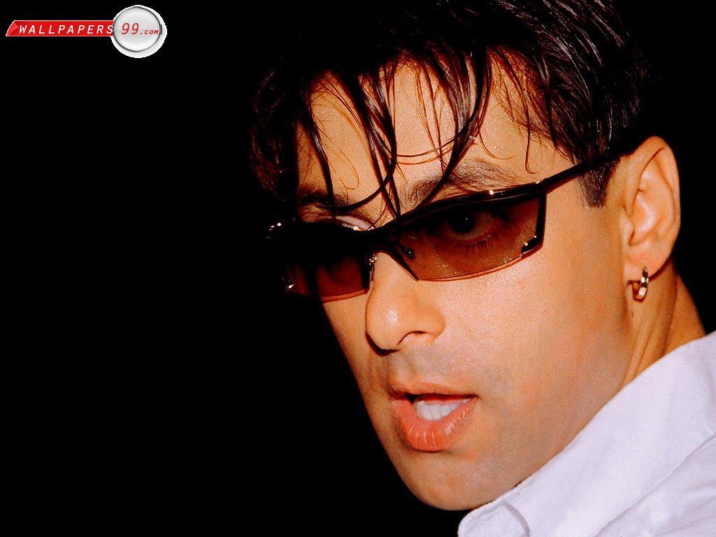 http://4.bp.blogspot.com/-CAdS5inReaw/T1HHMiQN5BI/AAAAAAAABeo/uzwcFMW_xfc/s1600/salman-khan-bollywood-actor-wallpaper-5.jpg
