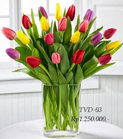 Bunga Tulip Dalam Vas