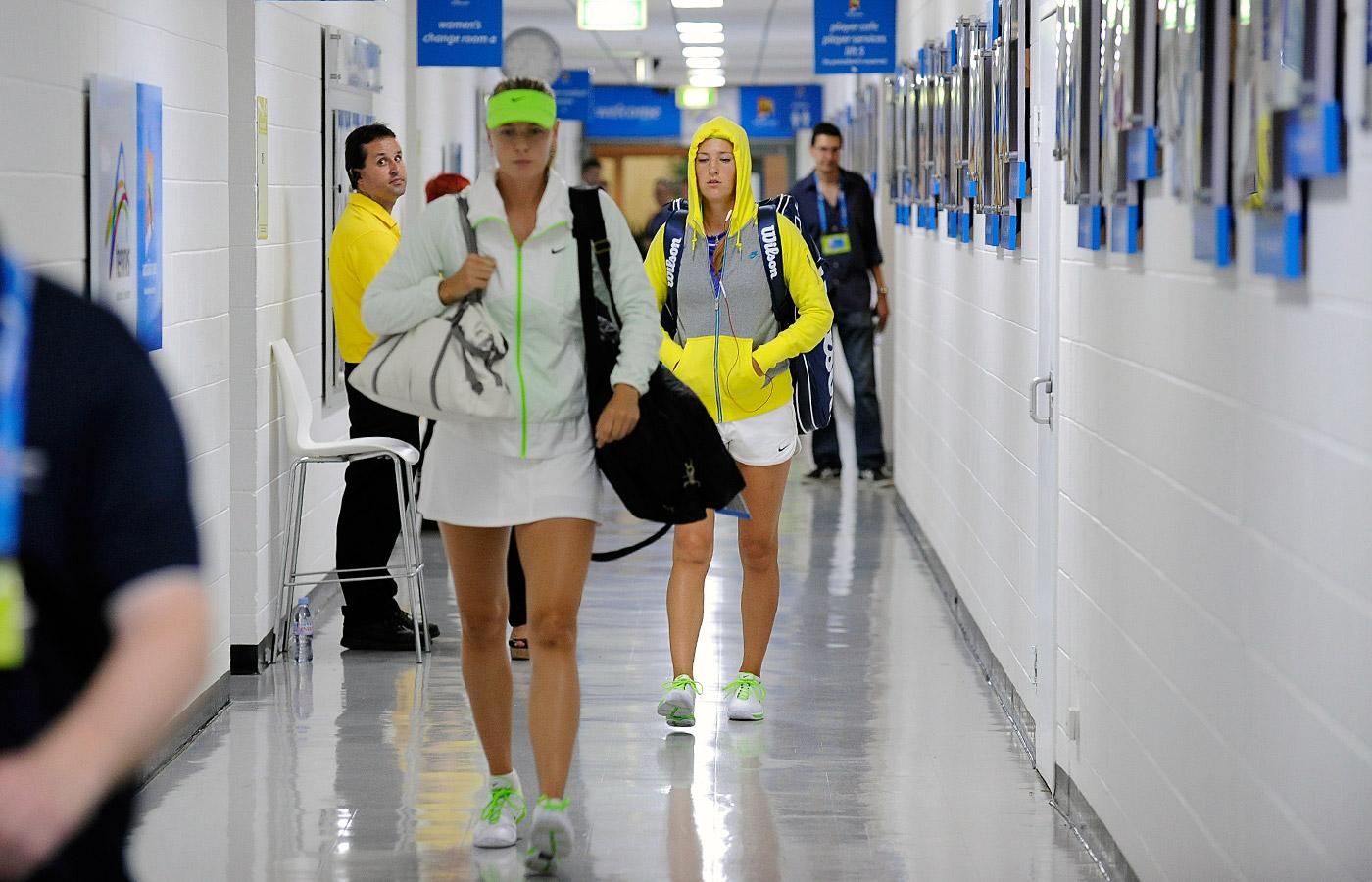 http://4.bp.blogspot.com/-CBGNQZiV_HE/TyZThjQKf2I/AAAAAAAAC6s/GXbnDXEomAg/s1600/Sharapova-Azarenka-Australian-Open-finals.jpg